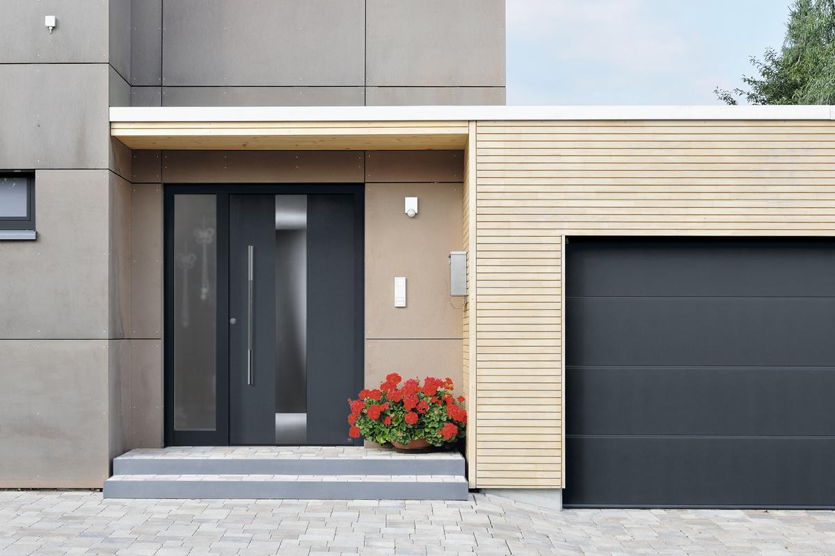 schiefergraue aluminium haust re mit seitenteil und verglasung bauwiki. Black Bedroom Furniture Sets. Home Design Ideas